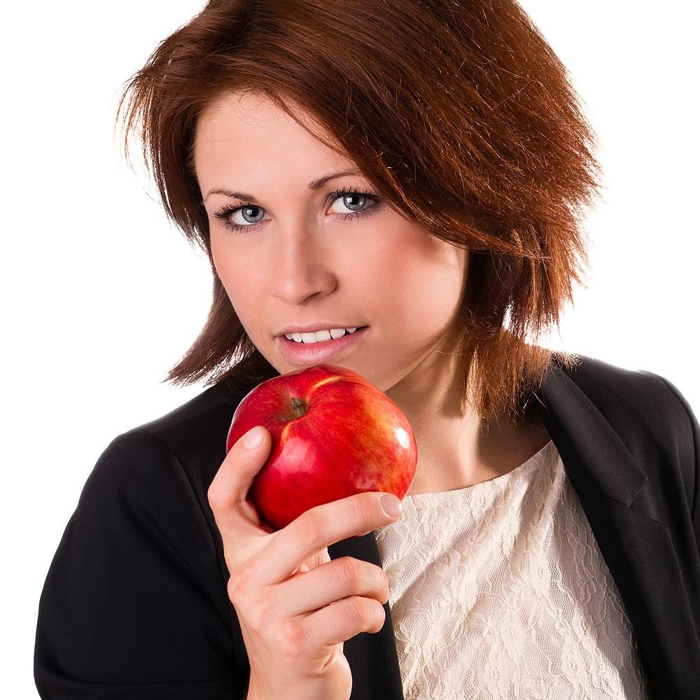 women-apple2