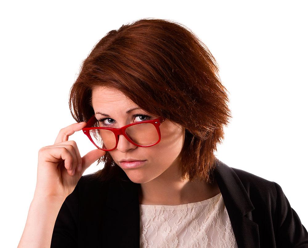 women-red-glasses