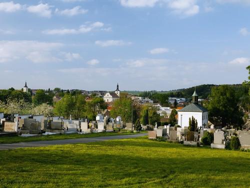 Olešnice - katolický hřbitov, panorama, kostel sv. Vavřince, evangelický kostel, kostel sv. Mikuláše